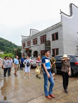 """""""名家访寿乡""""考察团走进浦北——五皇山"""