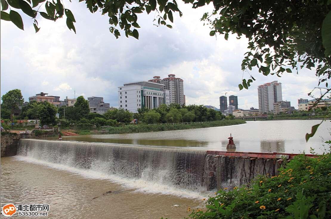 马江河河坝今日蓄水,浦北又一道美丽风景