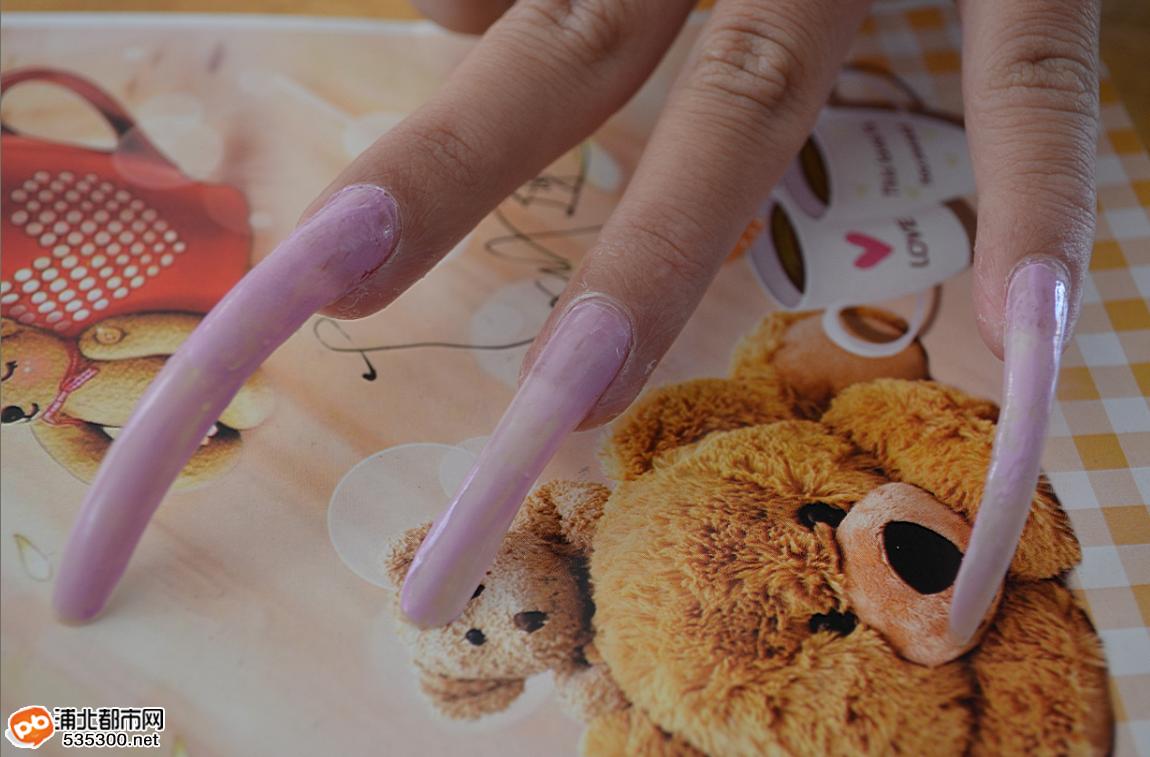 浦北指甲最长的女生 长达近10厘米曝图 网友爆料