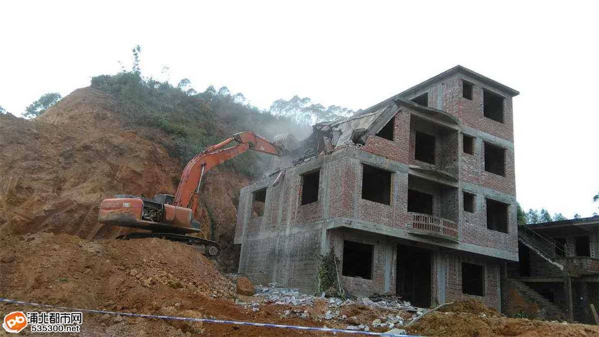 (张黄)贵合路土建№6标民房已拆除,保障施工顺利进行