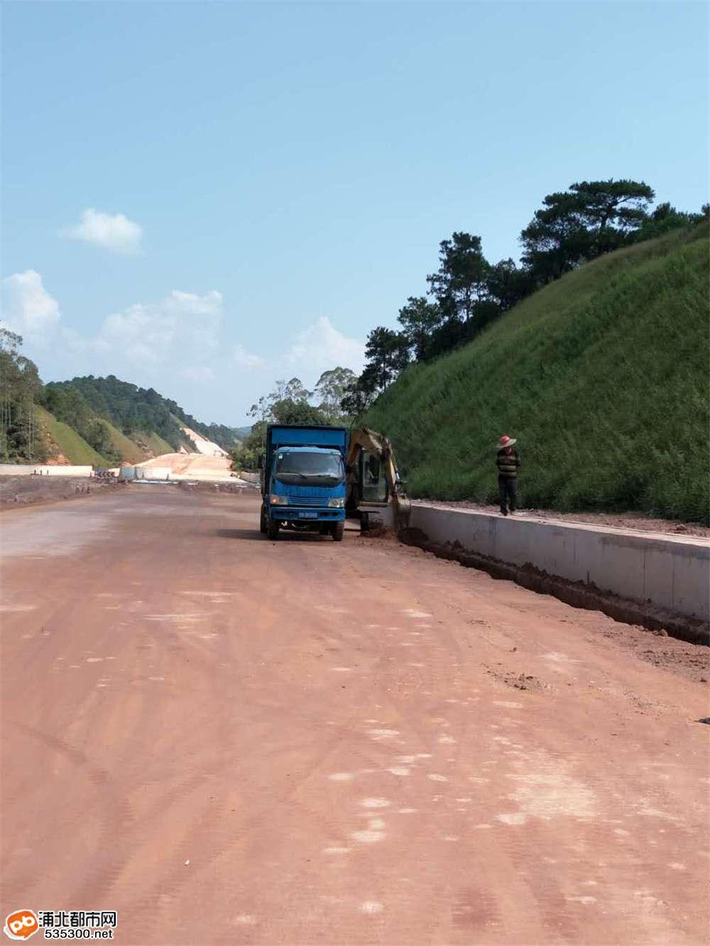 贵合路土建№6合同段路槽交验有序推进,交验里程过半