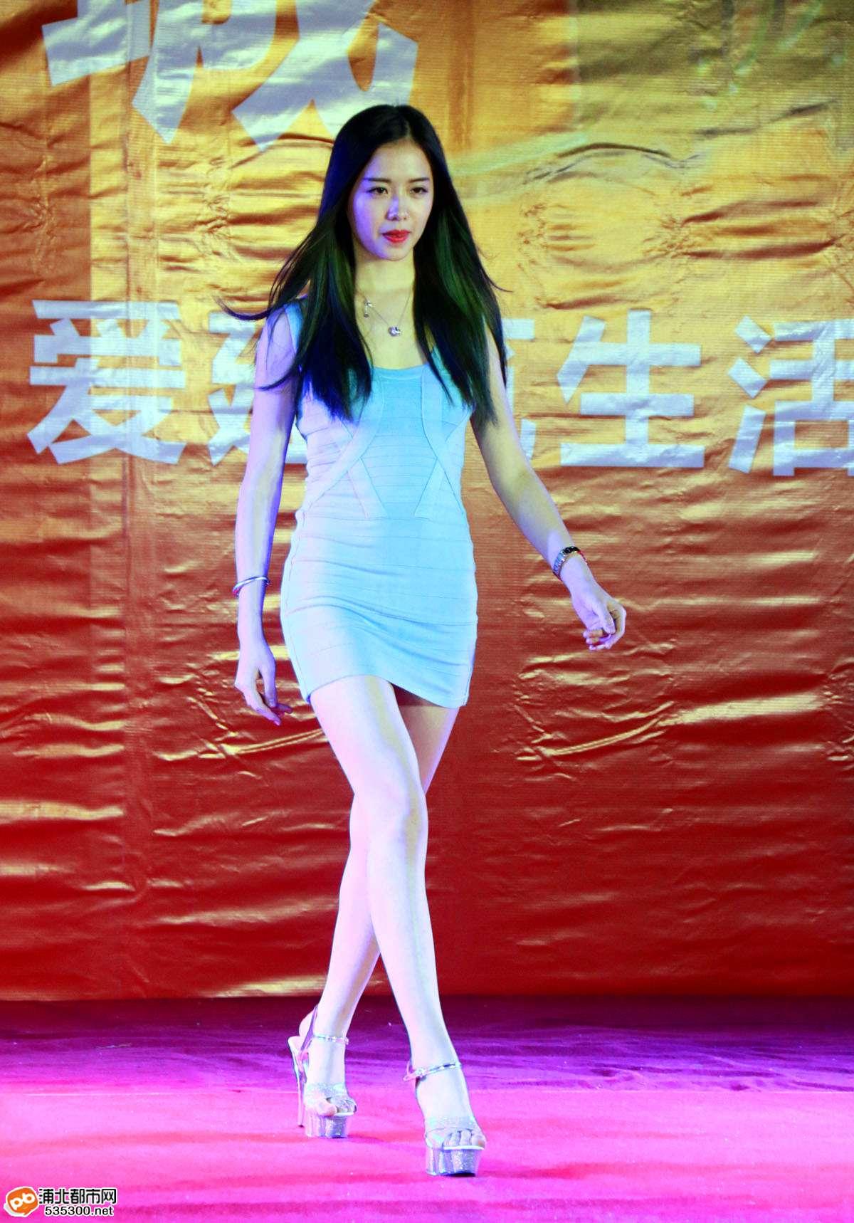 浦北越州尚城昨晚盛大开盘,一大波模特佳丽魅力走秀