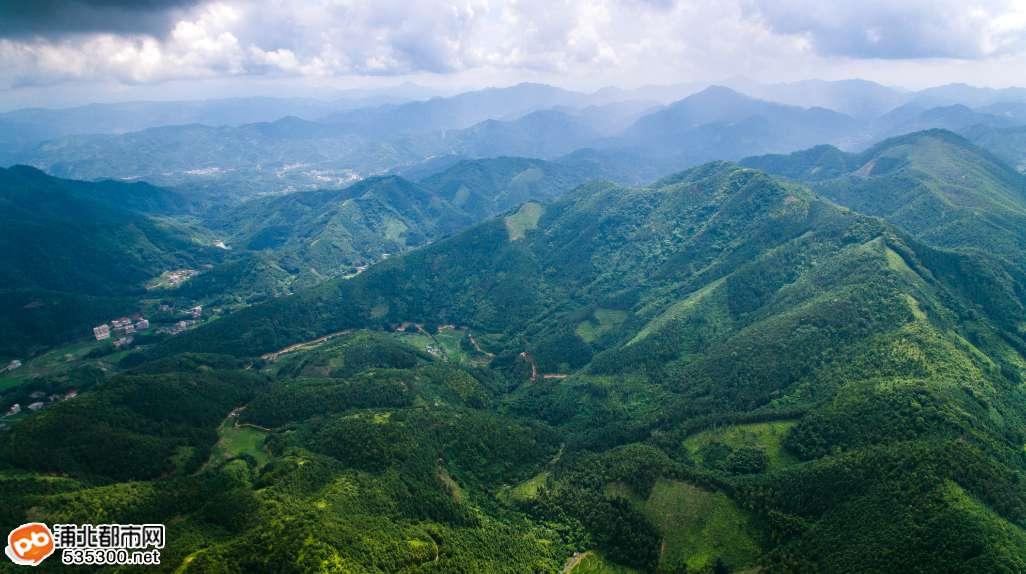 官垌大山深处藏美景,3.5公里河段竟多达7个小瀑布