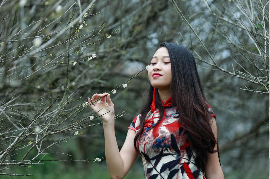 姐妹——浦北越州天湖梅花初放人像摄影