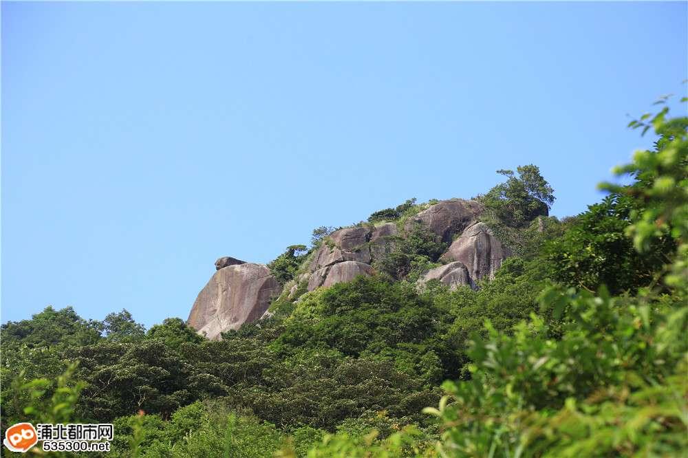 别看!看完你就想上,因为浦北这座神山太美了!