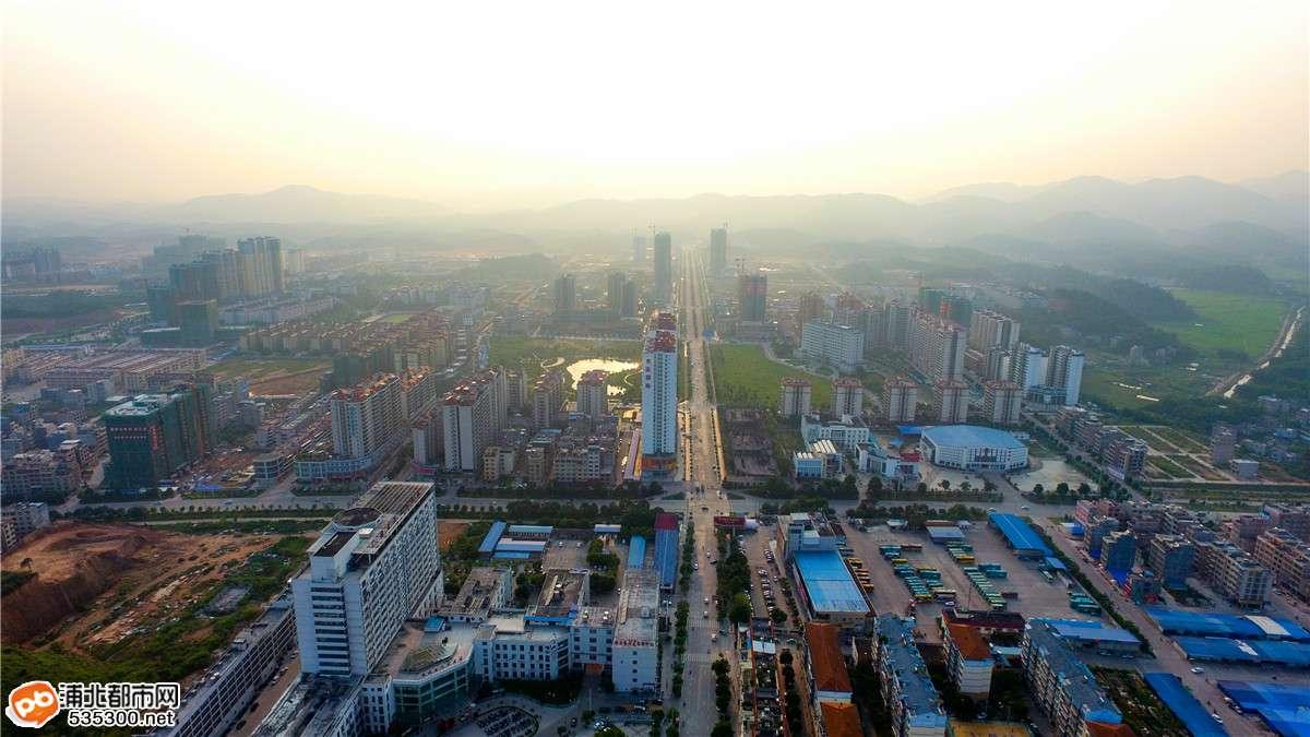 从浦北人民医院500米高空看县城,这个视角你见过么?