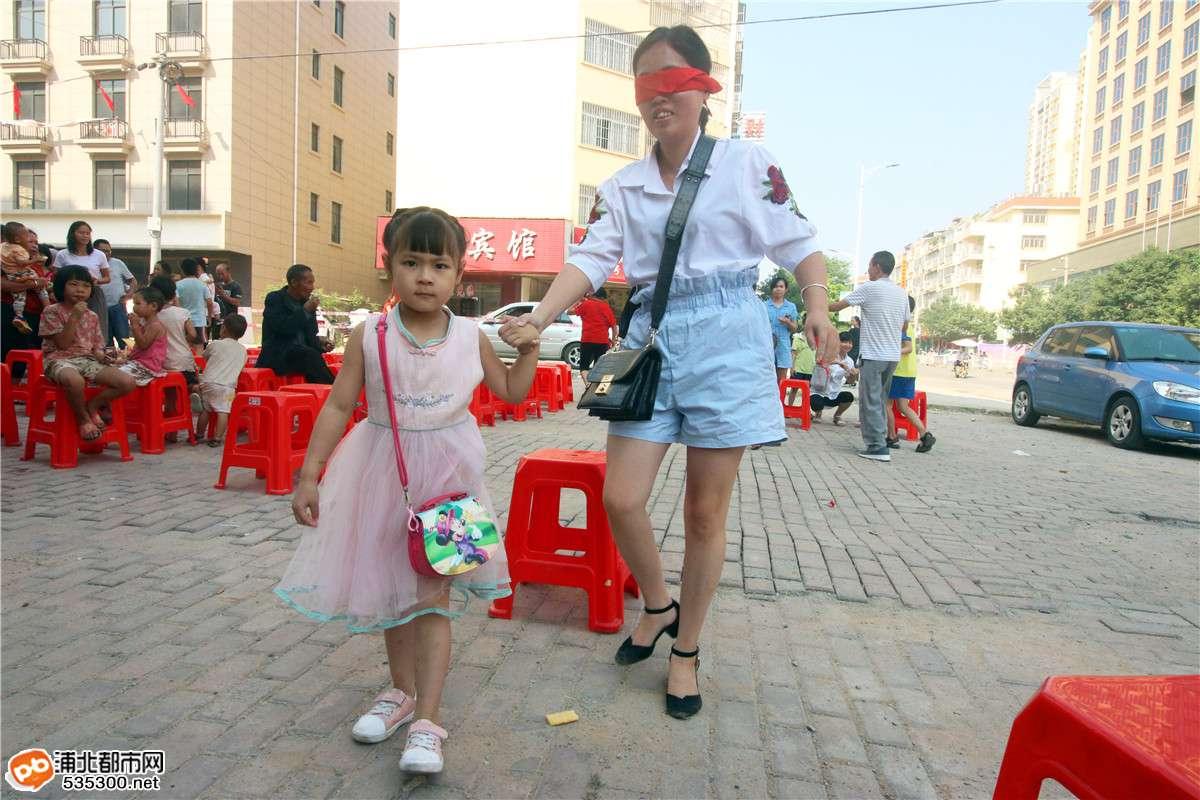 """浦北浦东新城举办""""庆祝新中国成立70周年 """"趣味游园活动!"""