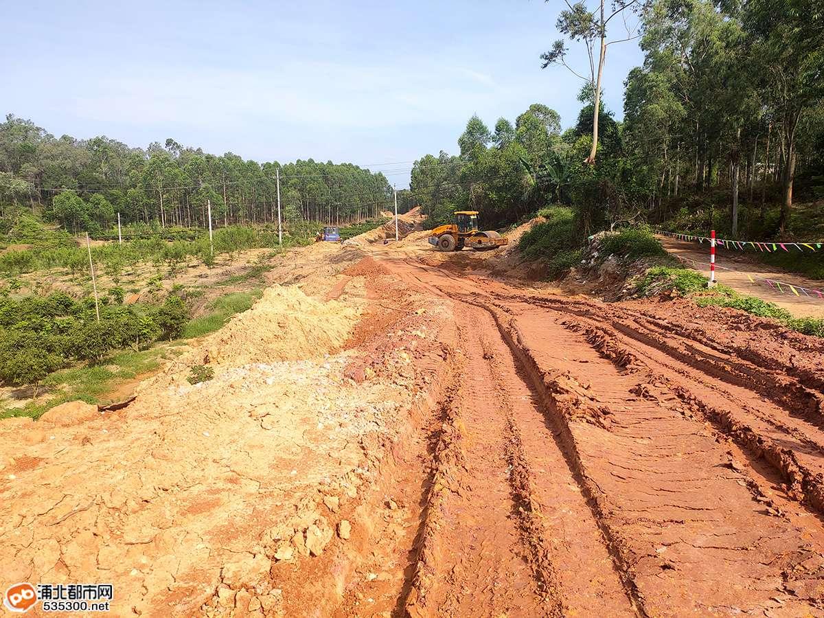 浦北石埇至钦州二级公路已建成这样,快看路线经过你们村吗?
