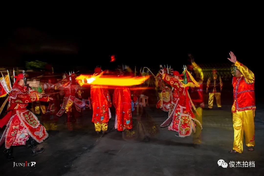 广西古老民间傩舞——浦北石祖禅茶园跳岭头