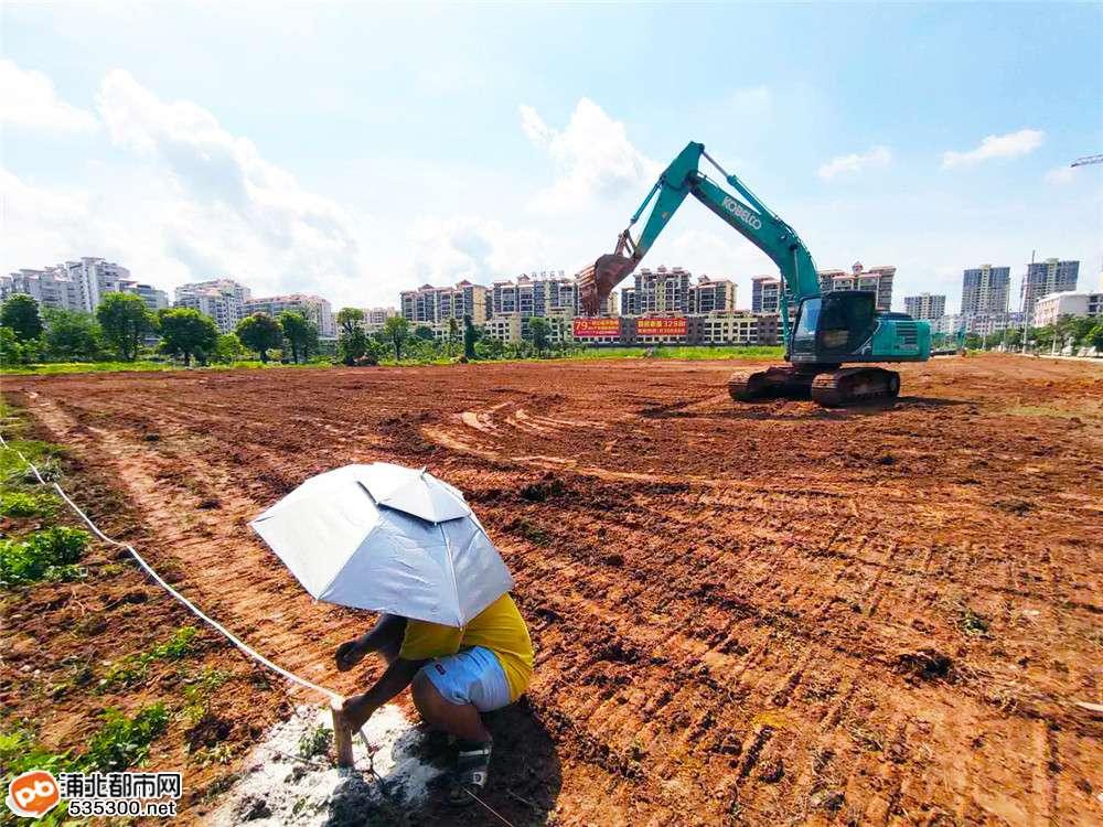 太棒了!浦北又即将增加一个足球场,已开始动工建设