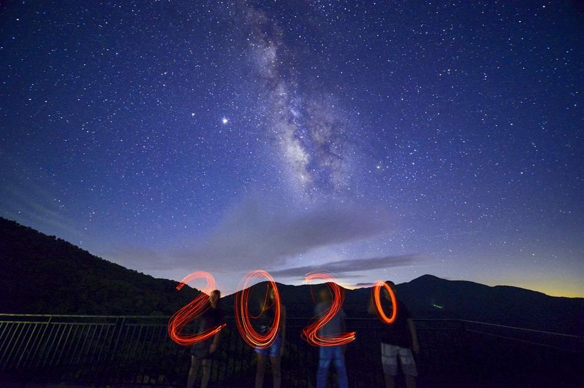 浦北风车山夜摄银河星空,带你感受触手可及的漫天繁星