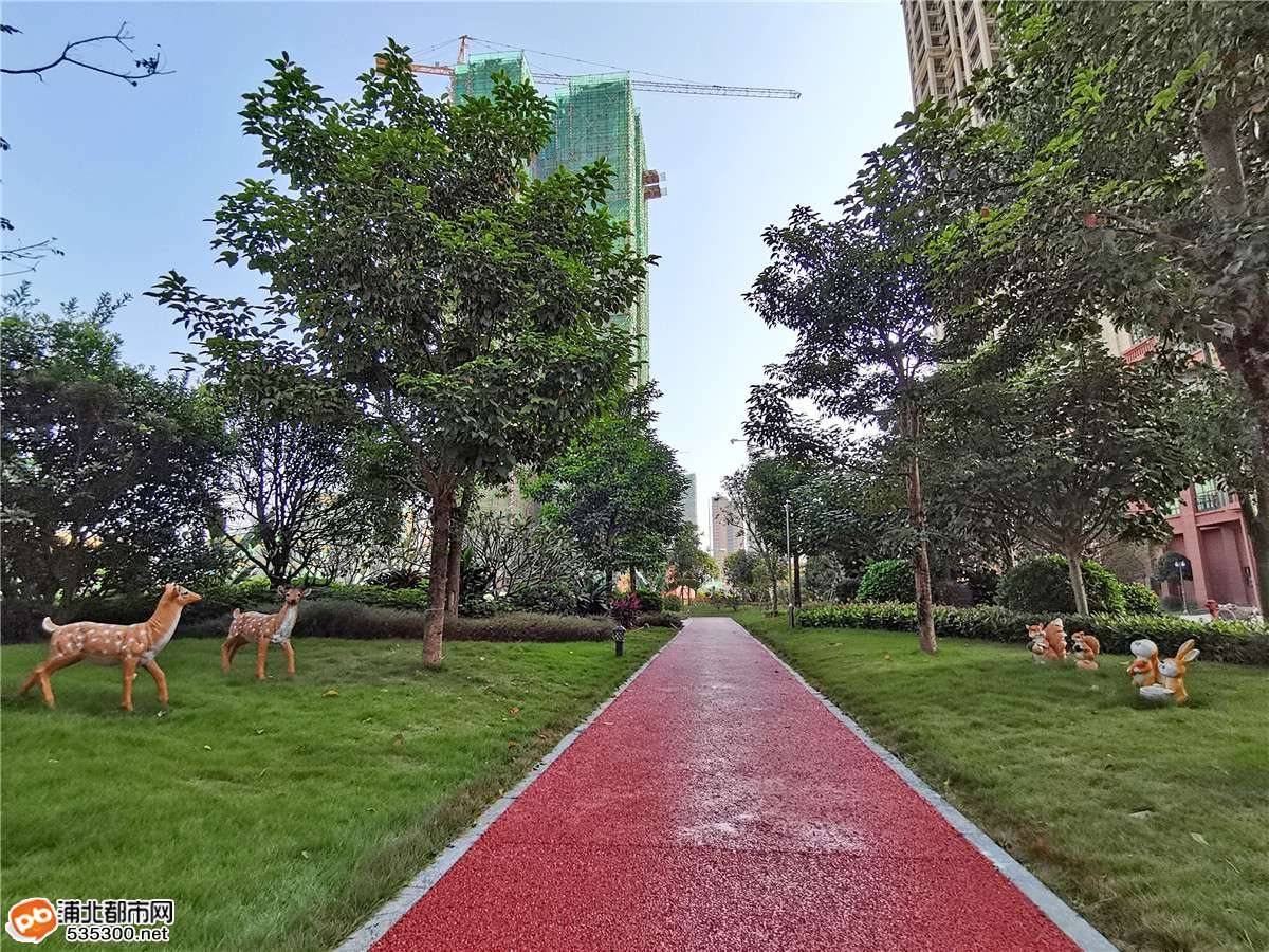 益海·现代豪庭商铺车位盛大开盘,实景园林惊艳四方
