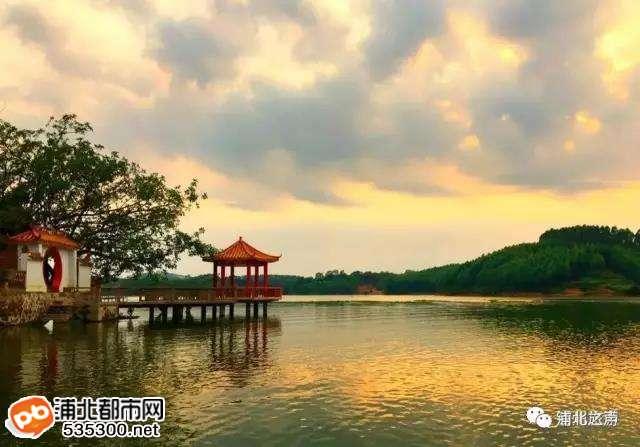国庆黄金周:浦北各大景点共接待游客约10.3万人次